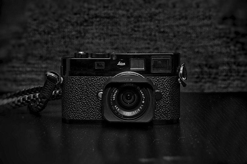 Hello Leica M8
